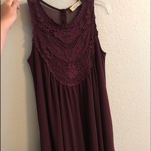 Super cute altrd state dress! Flowy and fun!